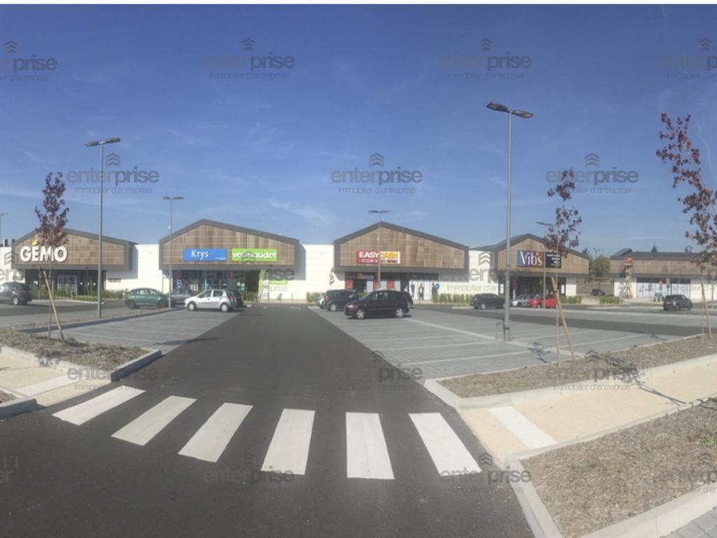 Location Commerce Saint Quentin  595
