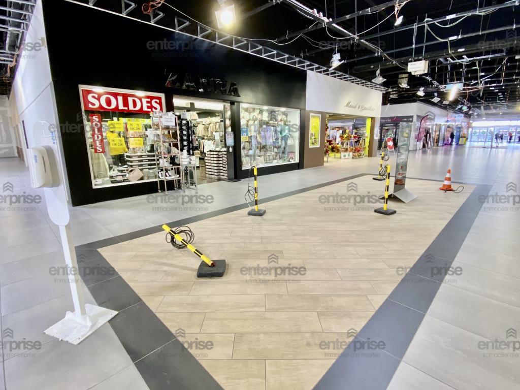 Location Commerce ABBEVILLE  10 843